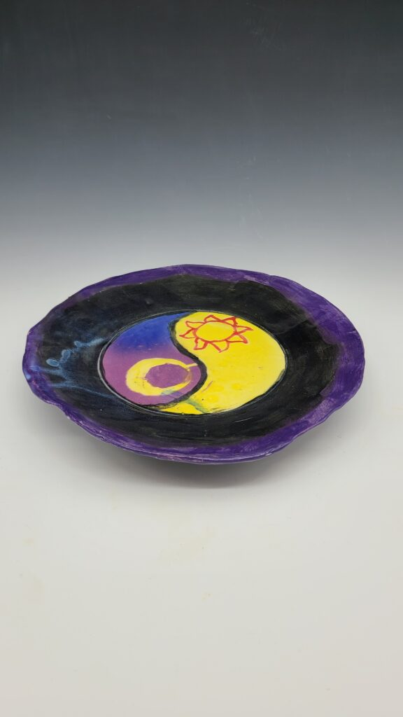 plate with yin yang